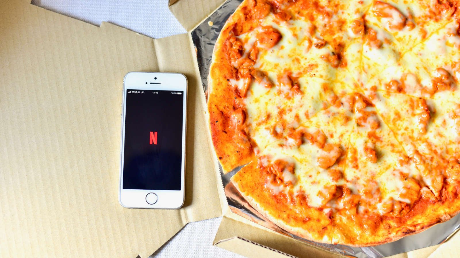Get Paid $500 to Eat Pizza and Binge-Watch Netflix Shows