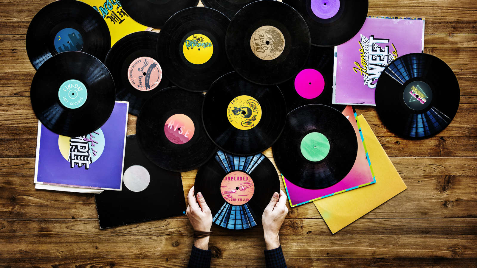 How to Buy and Sell Records Online