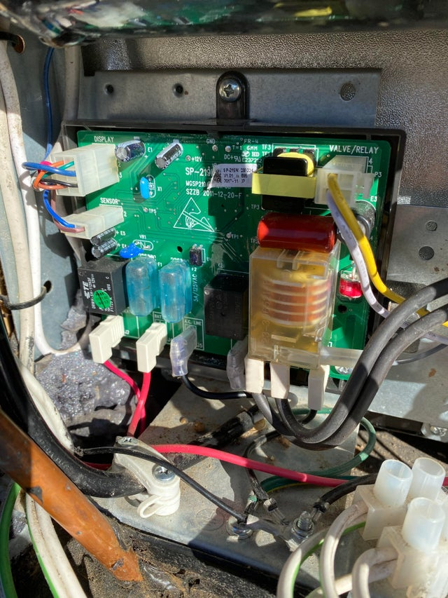Fifth Wheel battery compartment ideas