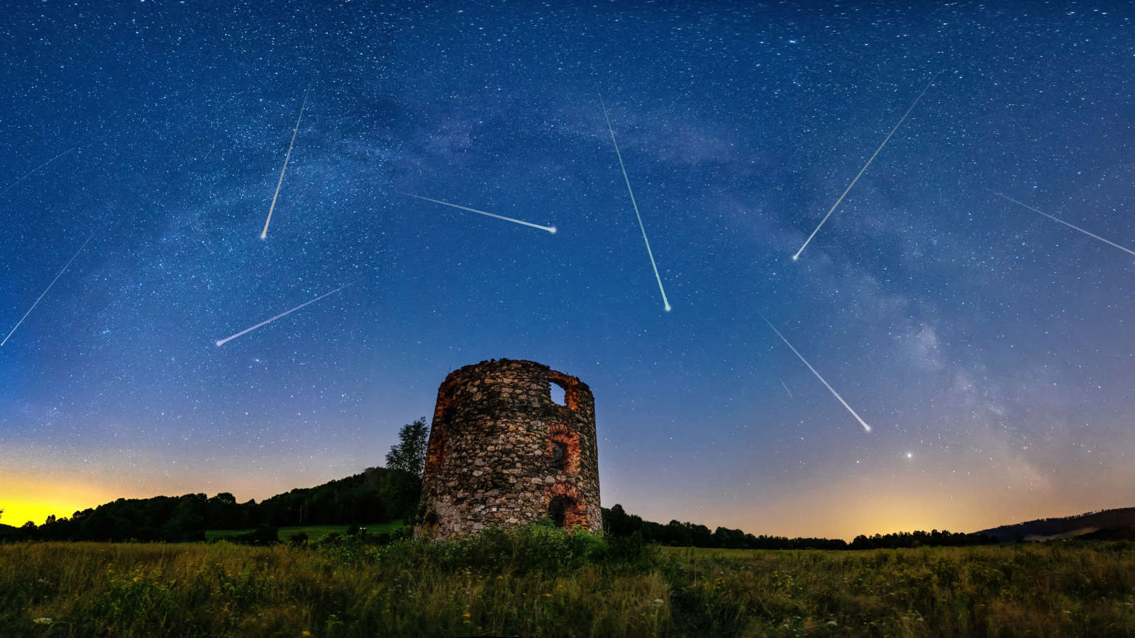 Catch the Peak of a Meteor Shower Featuring Fireballs With Colorful Trails