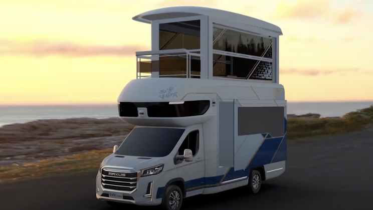 'Villa' RV's Roof Extends to Reveal Second-Floor Sunroom