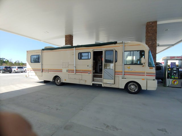 Looking for a motorhome or a class B that is under 18 feet ? USA