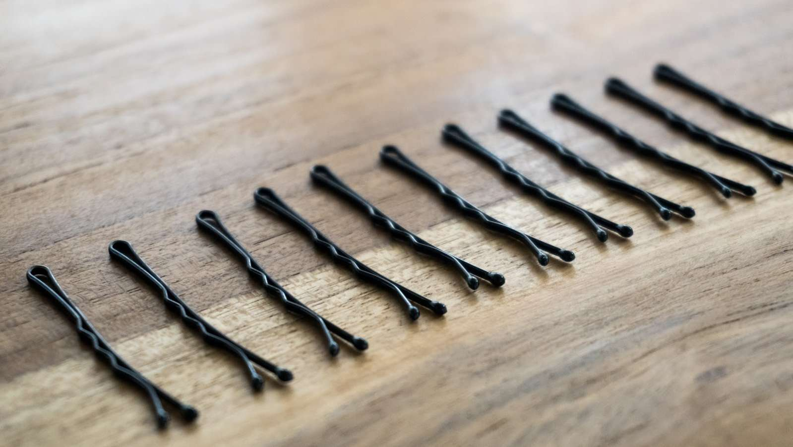 12 Unexpected Household Uses for Bobby Pins